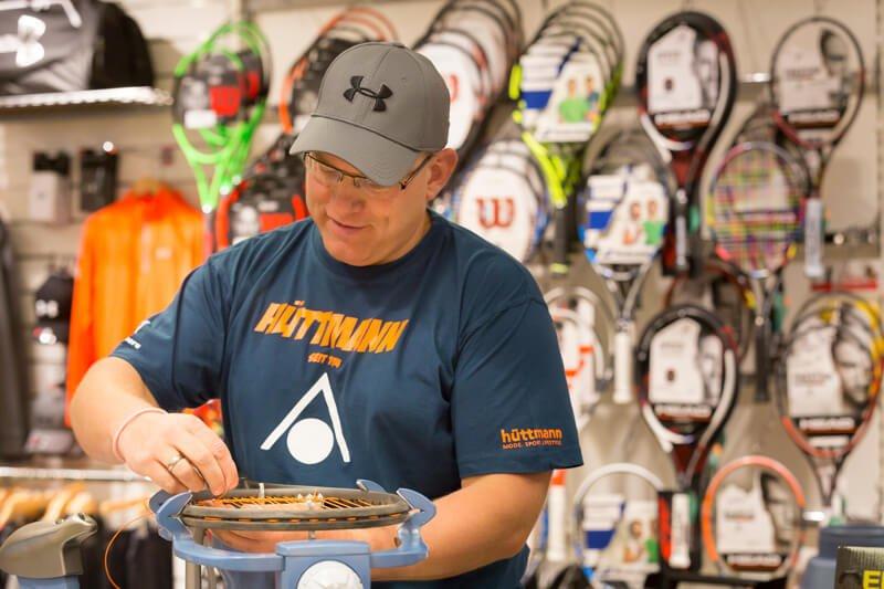Tennis-Service von Hüttmann